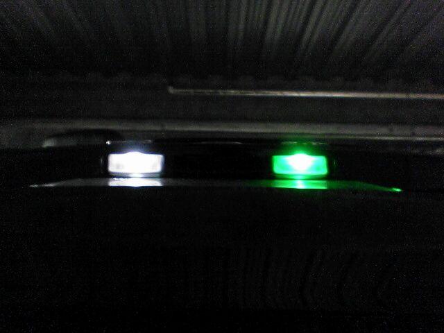 ナンバー灯もLEDに交換 比較