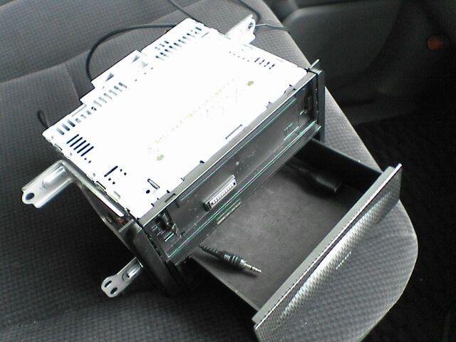 ipod収納つきカーステで音楽を。 【カーステ+加工BOX取付】 ボックス