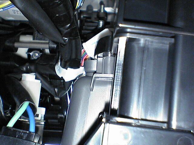 車内にAC100Vコンセント設置 【ソケット取付】 取り付け別図