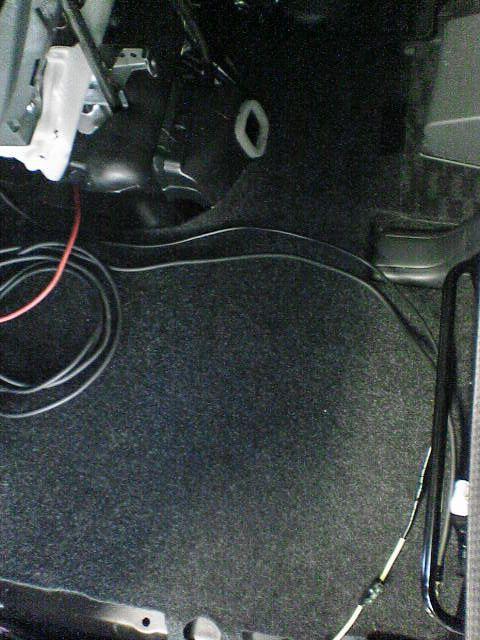 車内にAC100Vコンセント設置 【バッ直配線】 室内配線