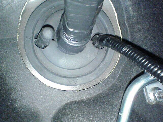 車内にAC100Vコンセント設置 【バッ直配線】 配線チューブ