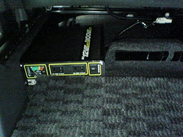 車内にAC100Vコンセント設置 【インバータ取り付け】 完成図