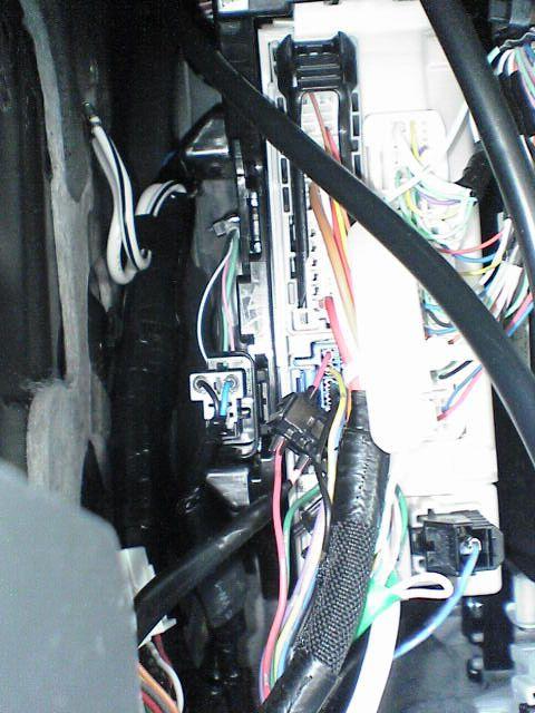 車内にAC100Vコンセント設置 【リモコン配線】 車体配線