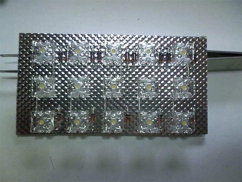 室内LED化まずは後ろから 【ルームランプLED化(ラゲッジ上)】 部品配置2