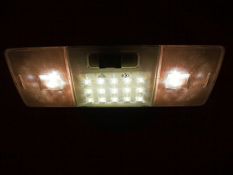 室内LED化。大型ドームランプに応用 【ルームランプLED化(ドームランプ中央)】 完成図