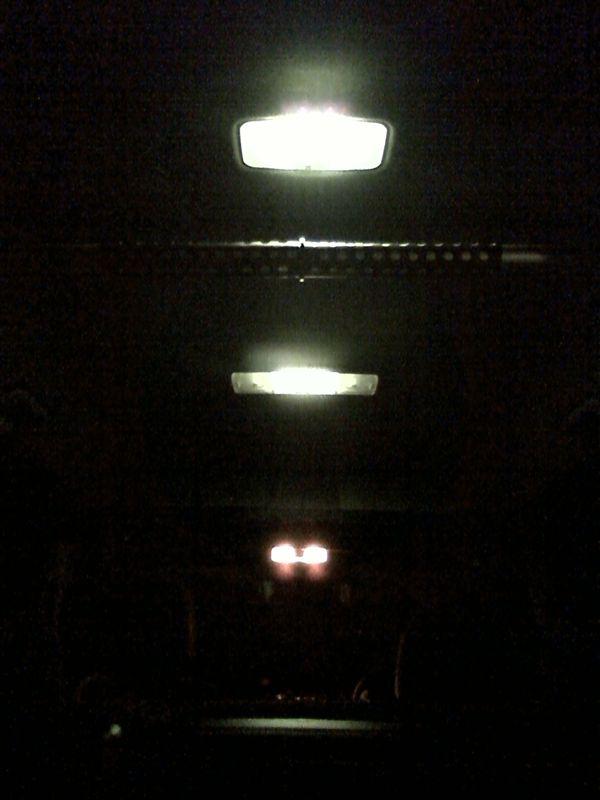 室内LED化。大型ドームランプに応用 【ルームランプLED化(ドームランプ中央)】 2個完成