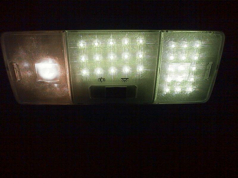 室内LED化。ドームライト完成 【ルームライトLED化(ドームライト左右)】 片側完成