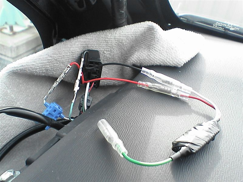 LEDをルームライト連動にしよう。 【カーテシ電源取り出し】 FET取付