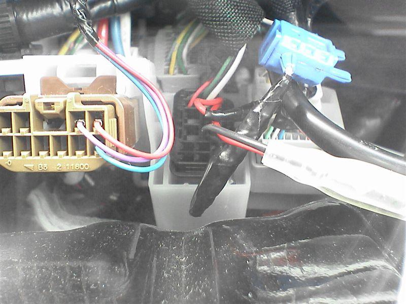 LEDをルームライト連動にしよう。 【カーテシ電源取り出し】 コネクタ戻し