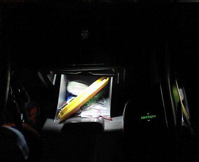 冷蔵庫的照明 【運転席ロアボックス照明】 完成図