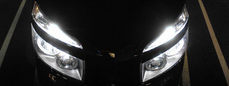 ライト周りをライトアップ。再び 【ガーニッシュ裏LED交換(3chipクリアドーム)】 換装