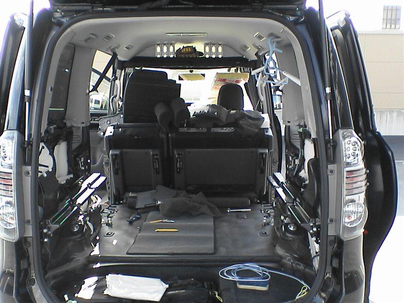 車中泊をさらにパワーアップ 【リアラゲッジ断熱+静音】 内装はがし