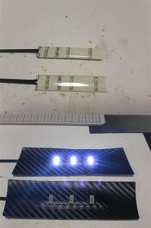 フロントドアをグレードアップ 【フロントにカーテシ連動LED(配線)】 ドアノブポケットLED