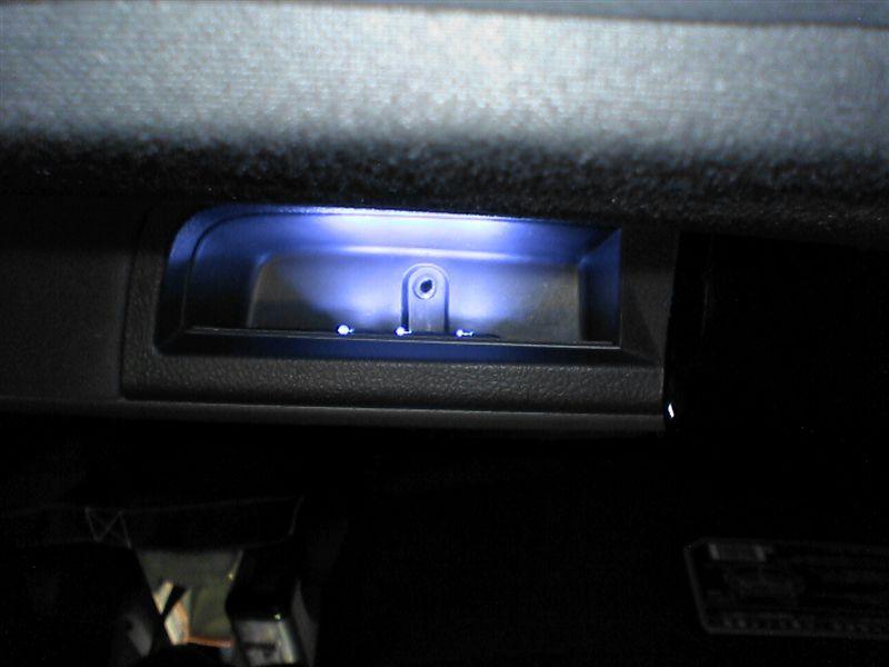 フロントドアをグレードアップ 【フロントにカーテシ連動LED(仕上げ)】ドアノブポケット完成