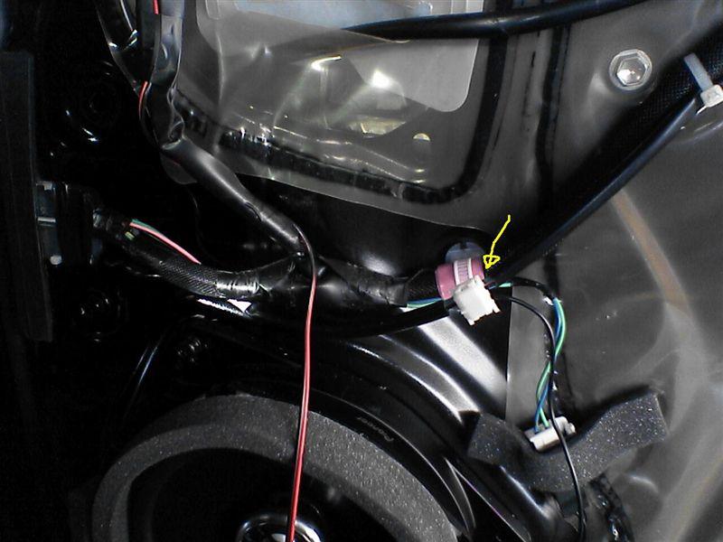 フロントドアをグレードアップ 【フロントにカーテシ連動LED(仕上げ)】運転席カーテシ