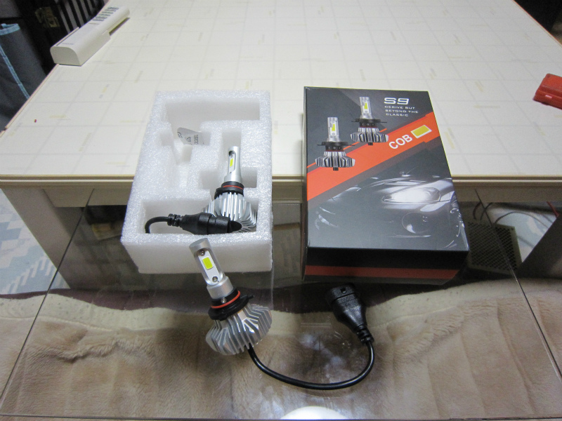 LEDバルブ交換ふたたび。 【ハイビームをLED化その2】 Autofeel HB3 LEDヘッドライトバルブ(6500K 8000LM ファンレス 一体型)